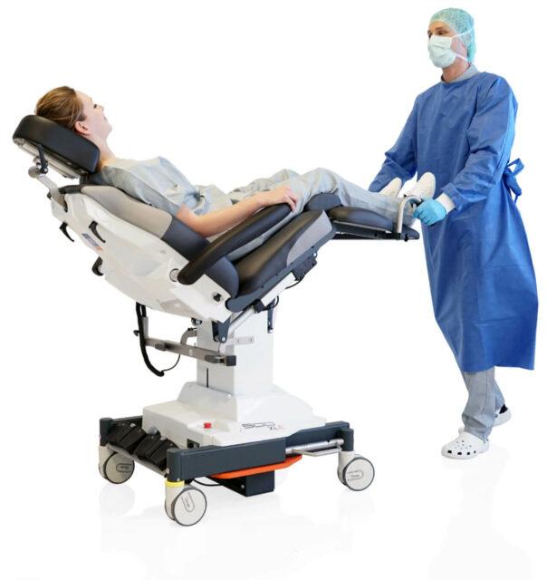 UFSK-OSYS Behandlungsstuhl lässt sich mühelos von einer Person manövrieren